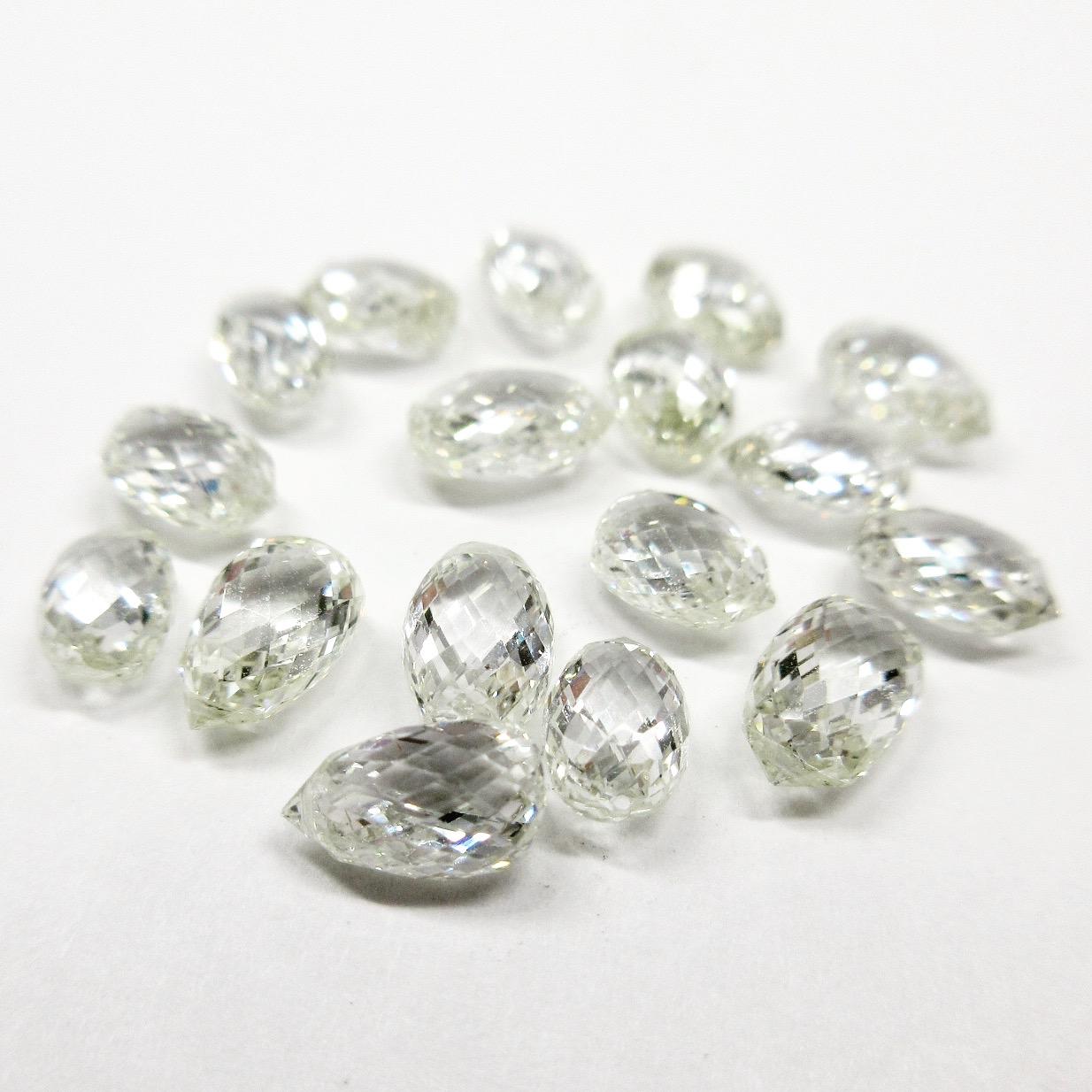 ブリオレットカットのダイヤモンド