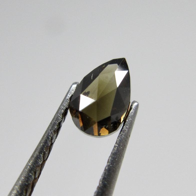 ファンシーカットのダークブラウンダイヤモンド