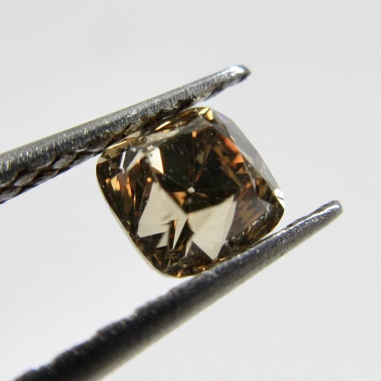 オールドカットのブラウンダイヤモンド